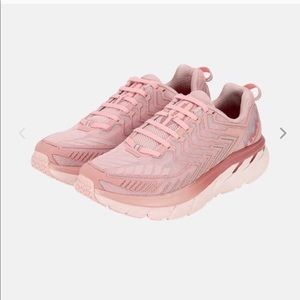 ISO: I need a size 7.5-8 in these!!!